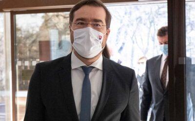 Francúz píše ministrovi a ponúka pomoc